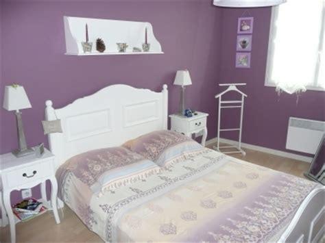 couleur parme chambre déco chambre parme et blanc exemples d 39 aménagements