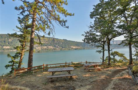 Forage for blueberries, apples, lavender, flowers, and nuts galore. Westcliff Lodge (Hood River, OR) - Resort Reviews ...