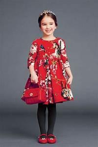Kleider Zum Schulanfang : rote handtasche m dchen accessoire breites kleid von dolce und gabbana mode pinterest kind ~ Orissabook.com Haus und Dekorationen