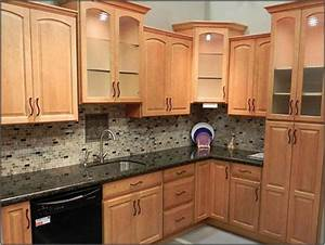 Design Ideas Fantastic Kitchen Tile Backsplash Ideas With Oak Cabinets 29 Wtsenates