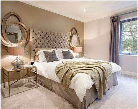 Futuristic and Luxurious Silver Gold Bedroom Ideas