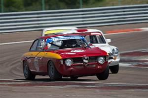 Alfa Romeo Dijon : alfa romeo giulia sprint gta chassis ar613240 driver dominik roschmann 2014 grand prix ~ Gottalentnigeria.com Avis de Voitures