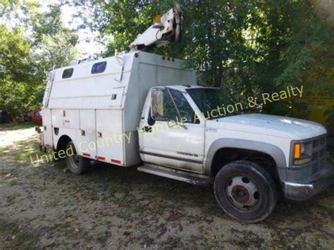 1995 chevy 3500hd boom truck with utility box
