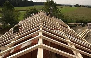 terrassenüberdachung an dachsparren befestigen dachsparren befestigen w 228 rmed 228 mmung der w 228 nde malerei