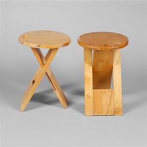 Tabouret Bar Pliant : roger tallon sentou editor pair of wooden folding stools ~ Melissatoandfro.com Idées de Décoration