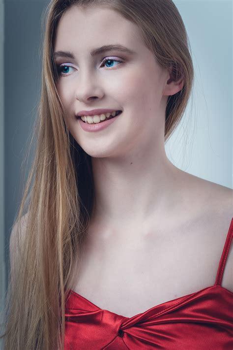 Alanna - Assets Model Agency