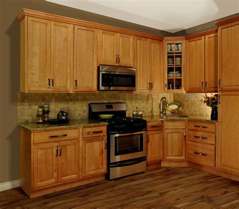 Dark Hardwood Floors with Maple Cabinets Ideas   HARDWOODS