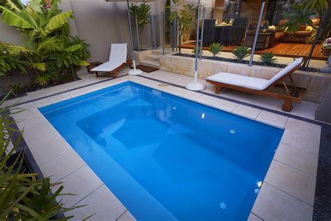 plunge pool back yard plunge pools pictures to pin on pinterest pinsdaddy