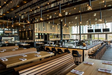 earls kitchen and bar canadian based earls kitchen bar to celebrate grand
