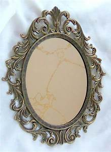 Best Photos of Vintage Oval Hand Mirror Drawing - Mirror ...