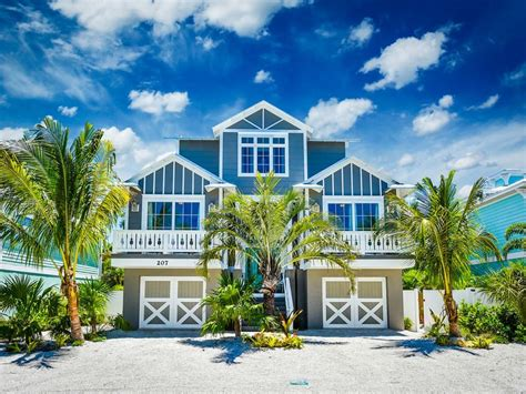 STEPS TO THE BEACH COME STAY FOR SUMMER HomeAway