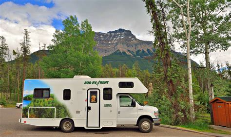 Cruise Canada Standard C25 RV Hire   CanadianAffair.com