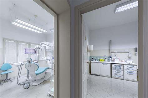 Assistente Alla Poltrona Cagliari Studio Dentistico Sergi Ceccarelli Cagliari