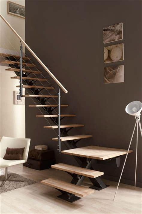 bureau vall2e les 25 meilleures idées de la catégorie escalier quart