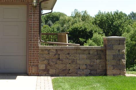 retaining wall interlocking blocks block walls privacy