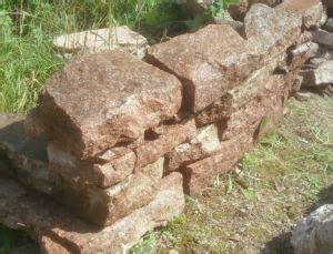 Porphyr Steine Natursteine Bruchsteine Mauer Trockenmauer