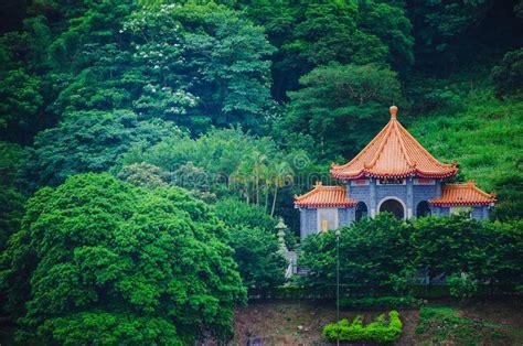 tempie cinesi immagine stock immagine di paesaggio tempie 13323213