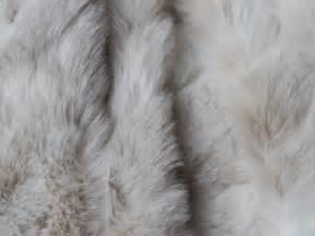 canapé delamaison plaid fausse fourrure loup blanc 140x180cm home