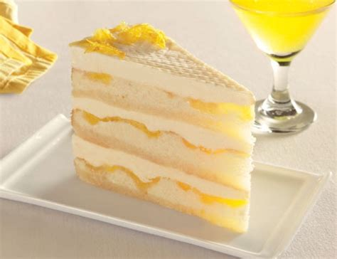 layers  genoise cake baked   thick swirl