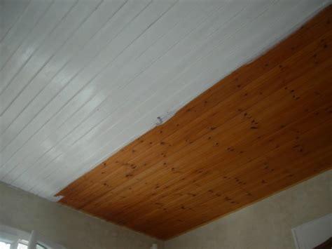 comment peindre un plafond en lambris peinture lambris plafond laquer blanc renovation en
