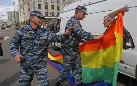 "Russian Politicians Plan To Outlaw Coming Out But Not For ""more Reasonable"" Lesbians"