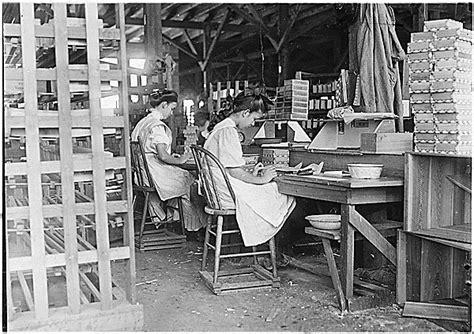 girl working  box factory tampa fl