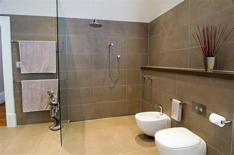 Badezimmer Fliesen Grau Braun by 35 Grey Brown Bathroom Tiles Ideas And Pictures 2019