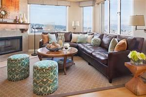 How to decorate with brown leather furniture klein on for Decorating with brown leather couches