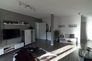 Wohnzimmer In Grau : vom hotelzimmer zum wohnzimmer meine wohnung im vorher nachher vergleich marie theres ~ Sanjose-hotels-ca.com Haus und Dekorationen
