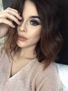Alluring Short Haircuts with Dark Hair Colors   The Best ...
