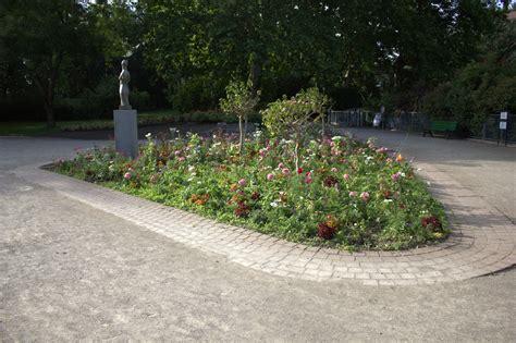 file parterre fleurs jardin compans jpg