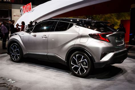 Toyota Chr Hybrid Picture by Toyota S New C Hr Is The Small Crossover You Ve Been