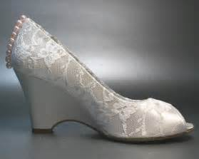 ivory bridesmaid shoes wedding shoes ivory wedges with ivory lace overlay and pink