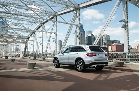 The dealer may accept the hassle of returning the older vehicle a little early in return for the chance to make more off a new lease. Mercedes Benz Financial: Mercedes Benz Financial Early Lease Termination