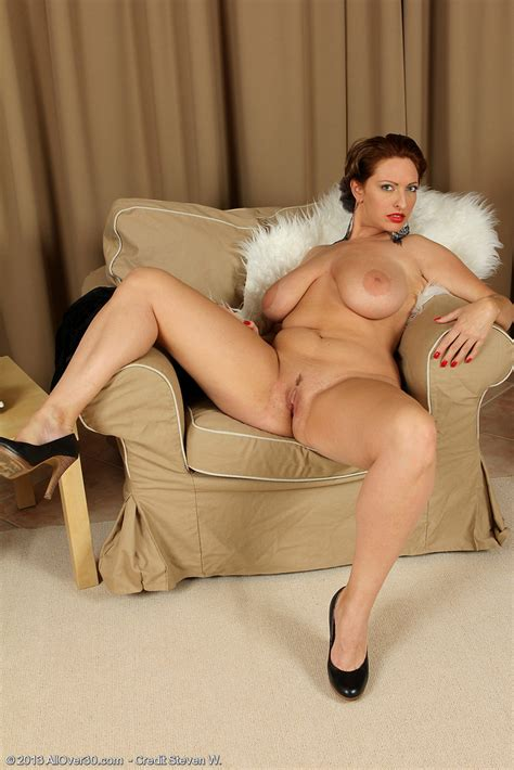 Classy Redhead Milf Salinas Strip Her Clothes Milf Fox