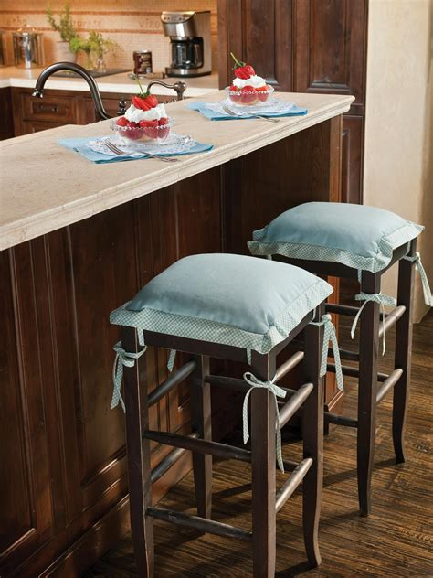 kitchen island stool kitchen island with stools hgtv