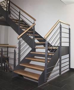 Stahltreppe Mit Holzstufen : g ta treppenbau stahltreppen bildergalerie ~ Michelbontemps.com Haus und Dekorationen