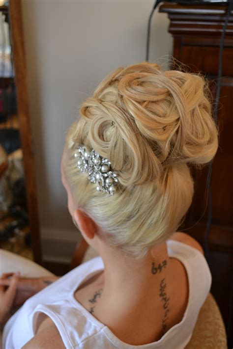 soft unstructured wedding hair inspired  red carpet