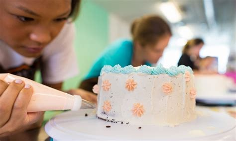 cake decorating class supply list cake decorating class give me some sugar groupon