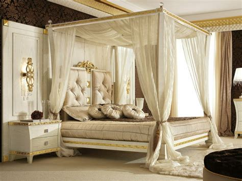 chambre avec lit baldaquin décoration chambre lit baldaquin