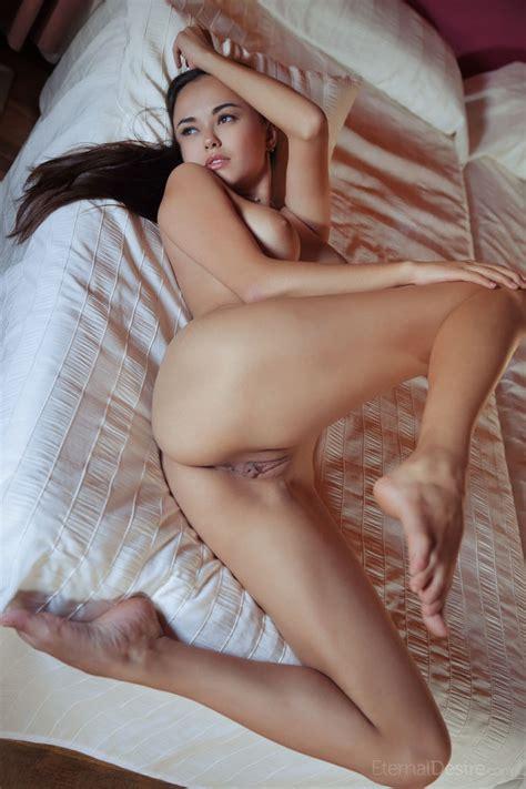Li Moon In Cama By Eternal Desire Nude Photos Nude