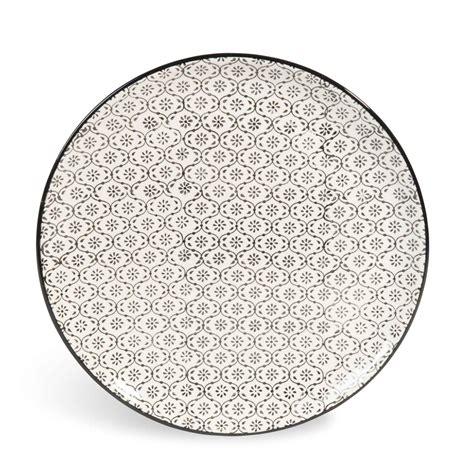 maison du monde assiette assiette plate en fa 239 ence micromotif noir blanc d 27 cm chiang mai maisons du monde