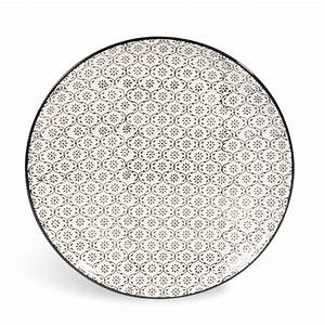 Teller Schwarz Weiß : flacher teller chiang mai aus keramik d 27 cm mikromotiv schwarz wei maisons du monde ~ Eleganceandgraceweddings.com Haus und Dekorationen