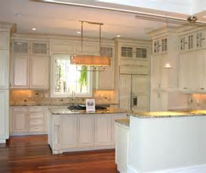 stacked kitchen backsplash thingswelove stackedkitchencabinets design chic design chic