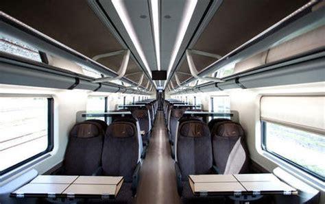 carrozza ristorante freccia rossa viaggio in treno con la tariffa biglietto standard di