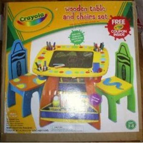 crayola wooden table and chairs set crayola wooden table and chair set reviews