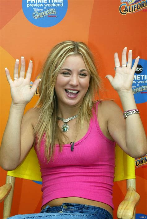 kaley cuoco belly  body abc primetime preview weekend