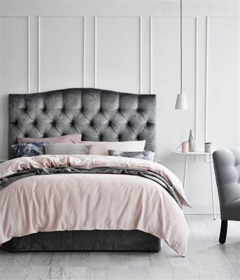 chambre gris noir linge lit idees chambre adulte accueil design et mobilier