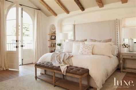 upholstered headboards  improve  bedroom shelterness
