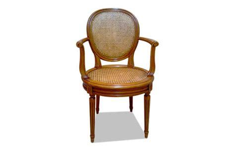 fauteuil louis xvi médaillon canné meubles hummel